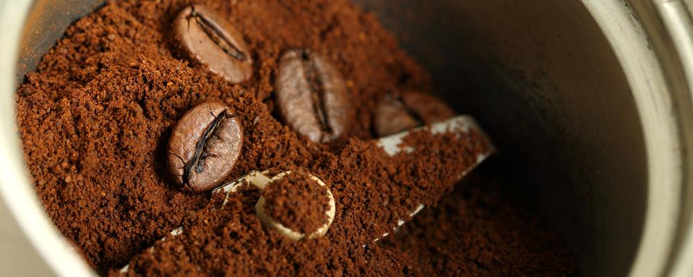 Coffee powder for espresso cup preparation